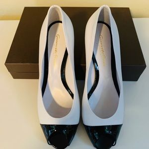Gianvito Rossi White w/Black Patent Trim Shoes 38